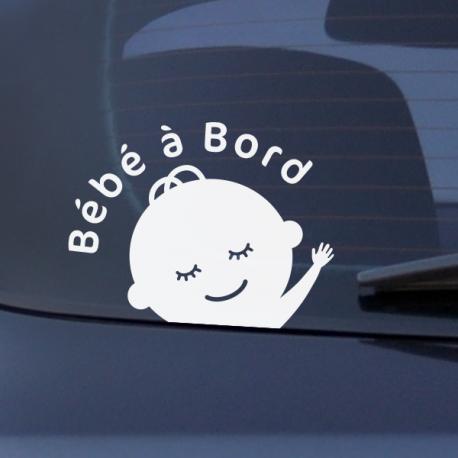 bébé à bord voiture